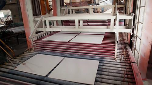 Horizontal roller drying kiln